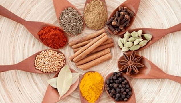 الأعشاب الطبيعية التي تعالج مرض السرطان